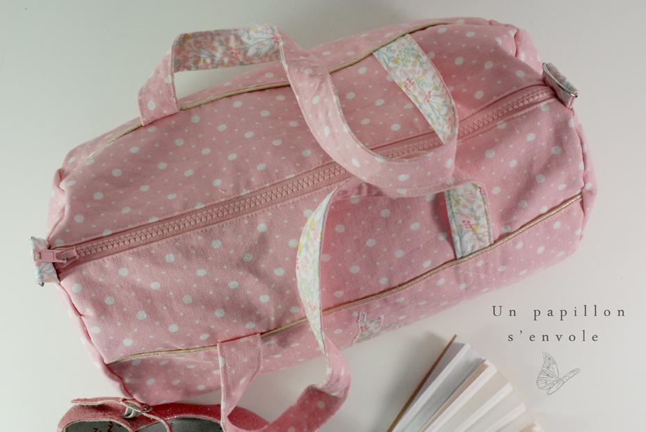 Exceptionnel Le sac de danse, de sport… enfant personnalisé – Un papillon s'envole VN75
